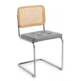 Cadeira artesanal Cesca em rattan natural e almofada de algodão