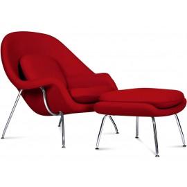 Réplica da cadeira Womb pelo designer Eero Saarinen