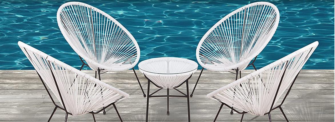 Replik des Japan-Tisches aus natürlichem Rattan, perfekt zur Kombination mit dem Acapulco-Stuhl.