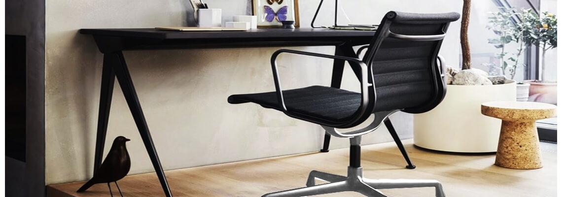 Sedia da ufficio Replica in alluminio EA103 dei designer Charles & Ray Eames