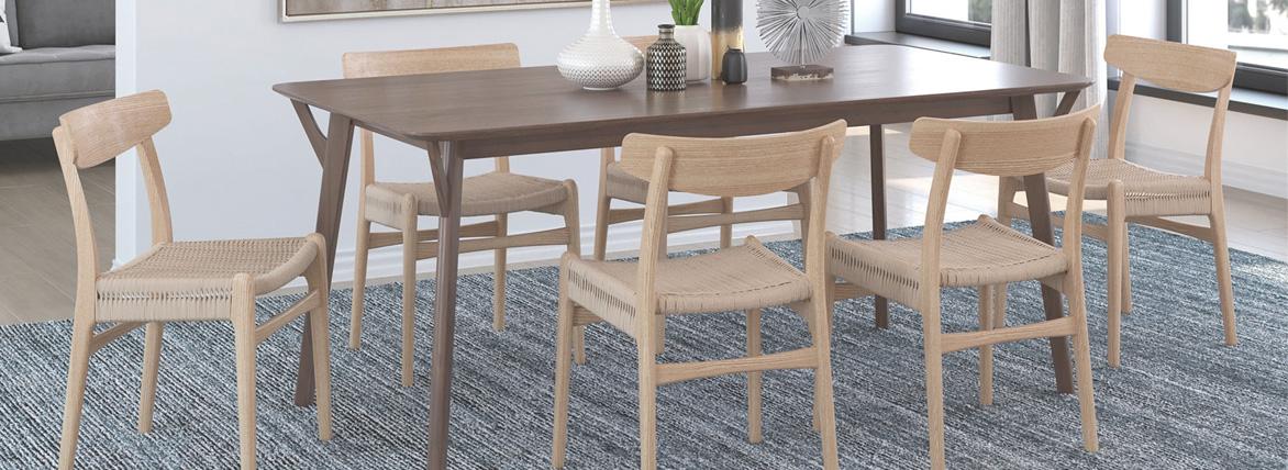 Replica della sedia da pranzo CH23 del designer Hans J. Wegner
