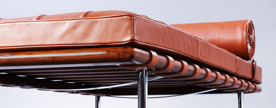Barcelona Daybed Cognac replica del famoso designer Mies Van Der Rohe