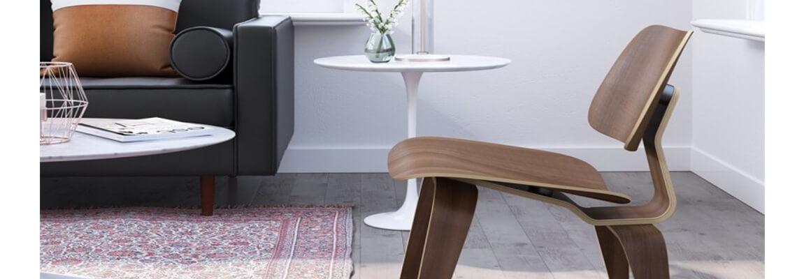Tavolino Tulip Replica in legno del famoso designer Eero Saarinen.