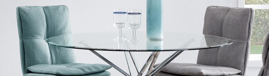 Pyöreät lasiset ruokapöydät