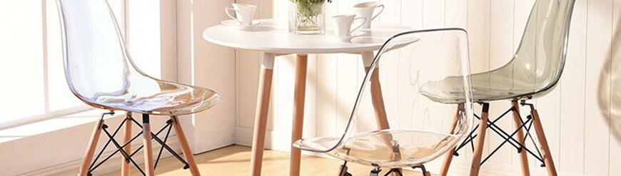 Colección de sillas y mesas de diseño transparentes
