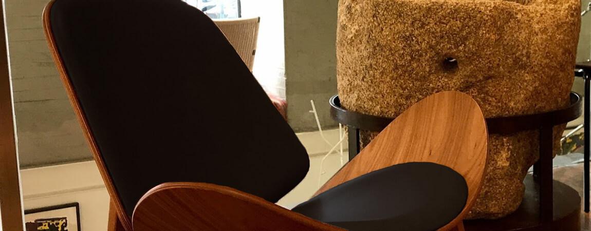 Réplica de la silla Shell Ch07 del aclamado diseñador Hans J. Wegner.