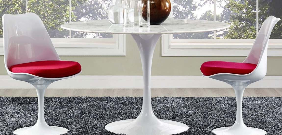 Tulip design table in 100cms of carrara marble by Eero Saarinen
