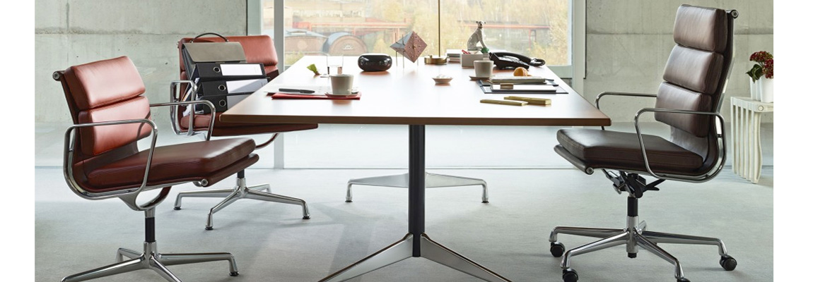 Eames Soft Pad EA 219 Office Chair by the designers Charles & Ray Eames